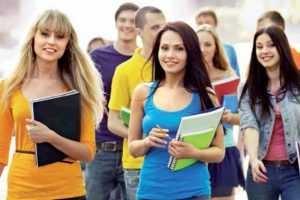 Yurt dışında bulunan 3 bin 358 öğrenci Türkiye'ye geri dönecek!